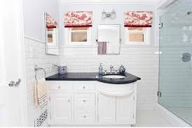 subway tile bathroom designs 20 beautiful bathrooms using subway tiles home design lover