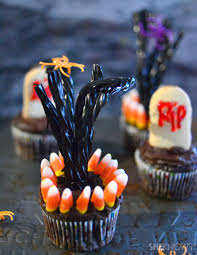 these deserted tree cupcakes are perfect for your fright fest