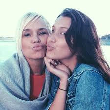 how tall is yolanda foster hw yolanda foster s daughter bella hadid opens up about her lyme
