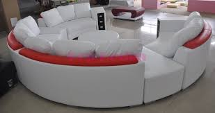 canap demi lune canap rond design awesome canap duangle convertible places poufs