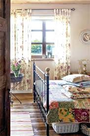 country quilt bed set country cottage bedroom with victorian bed