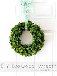 how to make a boxwood wreath of family home