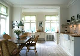 paint colors for hallway with no natural light long hallway no natural light decorating ideas feedercup info