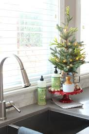 easy ways to make your home smell like christmas clean and