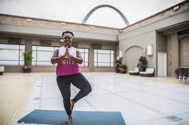 hyatt regency st louis at the arch introduces yoga breaks to
