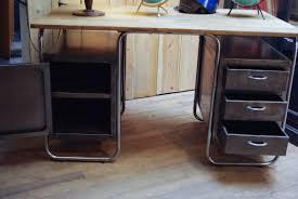 bureau metal et bois bureau en metal bureau mtal noir chic amadeus with