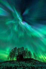 Northern Lights Credit Union Earth Faces 200 Years Of Solar Radiation Blasts As U0027magnetic Poles