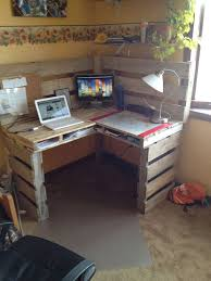 Diy Corner Desks Best 25 Corner Desk Ideas On Pinterest Computer Rooms Corner