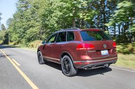volkswagen touareg reviews research new u0026 used models motor trend