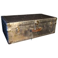 1940s aluminum steamer trunk steamer trunk steamers and tables