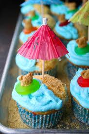 Luau Cake Decorations Luau Cupcakes Mom Loves Baking