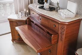 comodino arte povera domiziano gruppo com祺 2 comodini in legno massello colore noce