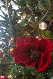best fresh wreaths ideas on diy