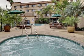 Comfort Inn And Suites Hotel Circle Amoma Com Comfort Inn And Suites Zoo Seaworld Area San Diego