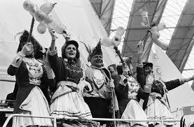 carnaval prins file prins carnaval op de hiswa prince carnival attending a boat