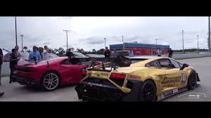 Lamborghini Gallardo Huracan - gold gallardo super trofeo and huracan on the track