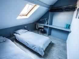 meubler une chambre aménager une chambre sous les toits