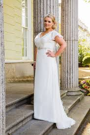 clearance plus size wedding dresses clearance plus size wedding dress 550 beautiful brides bb16306