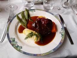 cuisine joue de boeuf joue de boeuf braisé à la bordelaise photo de restaurant a l