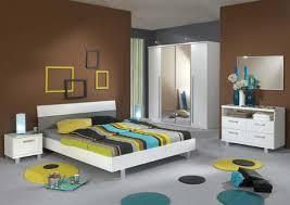 peinture chambre coucher adulte choisir couleur peinture chambre a su0027il chambre marron parme