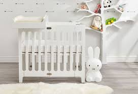 Mini Cribs Top 5 Safest Mini Cribs For Small Spaces Thinkbaby Org