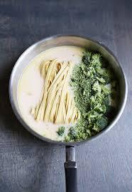 3 cuisine gourmande faites revenir 3 gousses d ail émincé sautées à l huile d olive