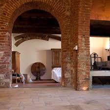 Caminetto Rustico In Pietra by Casolare Con Soggiorno In Pietra Di Rapolano Pietre Di Rapolano
