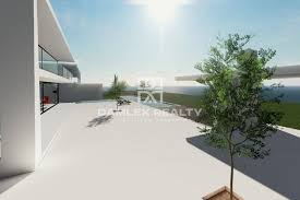 new villa in the town of begur