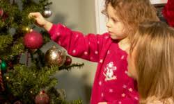 2 decorating the tree 10 family christian traditions