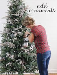 remodelaholic how to decorate a christmas tree in 5 simple steps