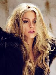 what color is shakira s hair 2015 80 best shakira images on pinterest famous people pique and shakira