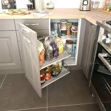 meubles angle cuisine amenagement placard d angle cuisine rangement coulissant epices et