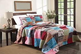 Bohemian Style Decorating Ideas by Bohemian Style Bedroom Decor Both In Modern Or Classical Styles