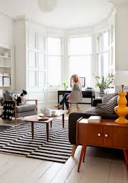 Blue And White Striped Rugs Uk Tip Of The Week When It Comes To Rugs Think Striped Décor Aid