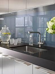 plexiglas für küche fliesenspiegel glas küchenrückwand plexiglas blau küche