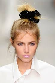 80s hairstyles 17 80s hairstyles that are like totally popular again brit co