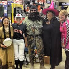 duck dynasty halloween costume halloween at work did you dress up this year whnt com