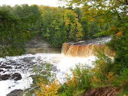 Michigan scenery images Fall color michigan upper peninsula scenic pathways jpg