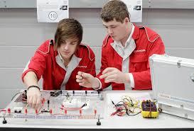 lexus apprenticeships uk toyota u0027s uk automotive and engineering training academy awarded