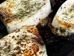cuisiner l espadon espadon à la plancha sauce vierge bigmammy en ligne