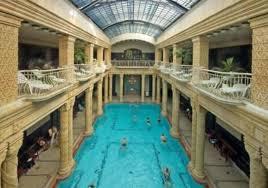 bagno termale e piscina széchenyi thermes széchenyi gellert pour visiter budapest réservez