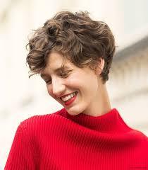 Frisuren Mittellange Wellige Haare by Die Besten 25 Frisuren Für Naturlocken Ideen Auf