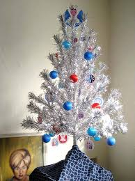 vintage aluminum christmas tree 9 places to find aluminum christmas trees vintage and reproduction