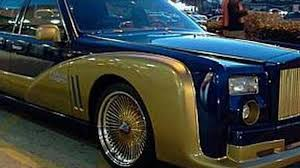 gold phantom car rolls royce phantom replica based on lincoln town car is just wrong