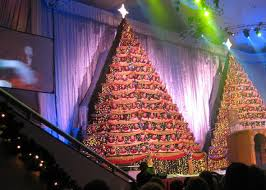 the singing tree how did megachurch christmas spectaculars get so
