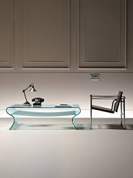 charlotte curved glass coffee table by fiam glassdomain