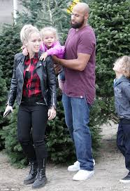 kendra wilkinson joins hank baskett and kids to pick out christmas