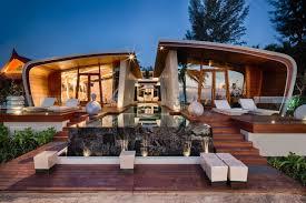 beach house by a cero