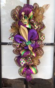 mardi gras mesh 41 best mardi gras images on floral wreath garlands