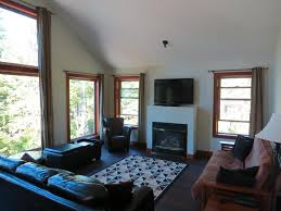 cobble wood guest houses tofino canada booking